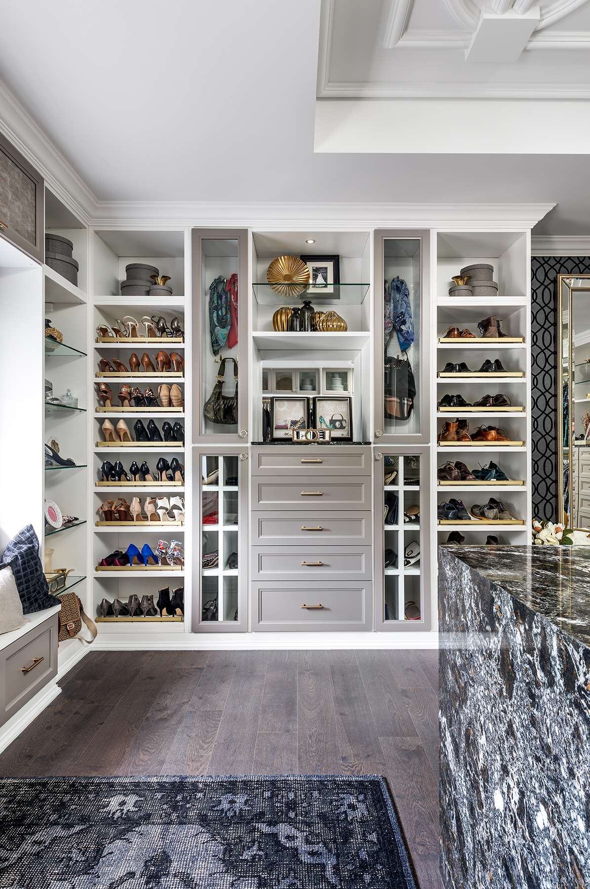 5 Tips For A Functional Walk In Closet