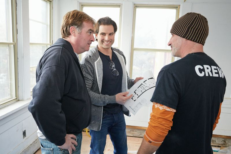 Scott McGillivray and Crew