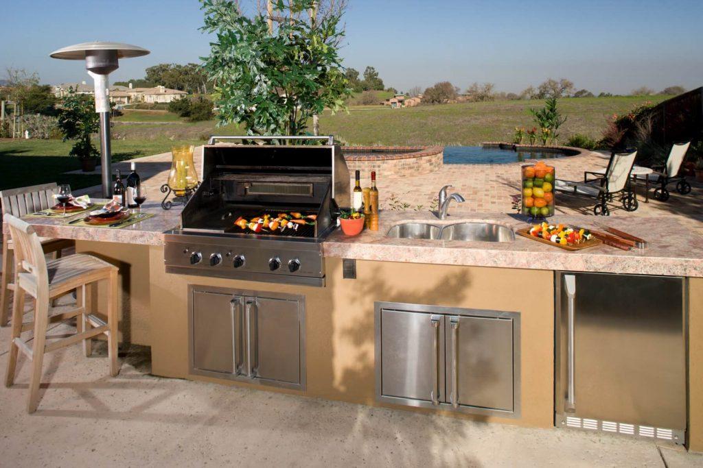Large outdoor kitchen:jimkruger