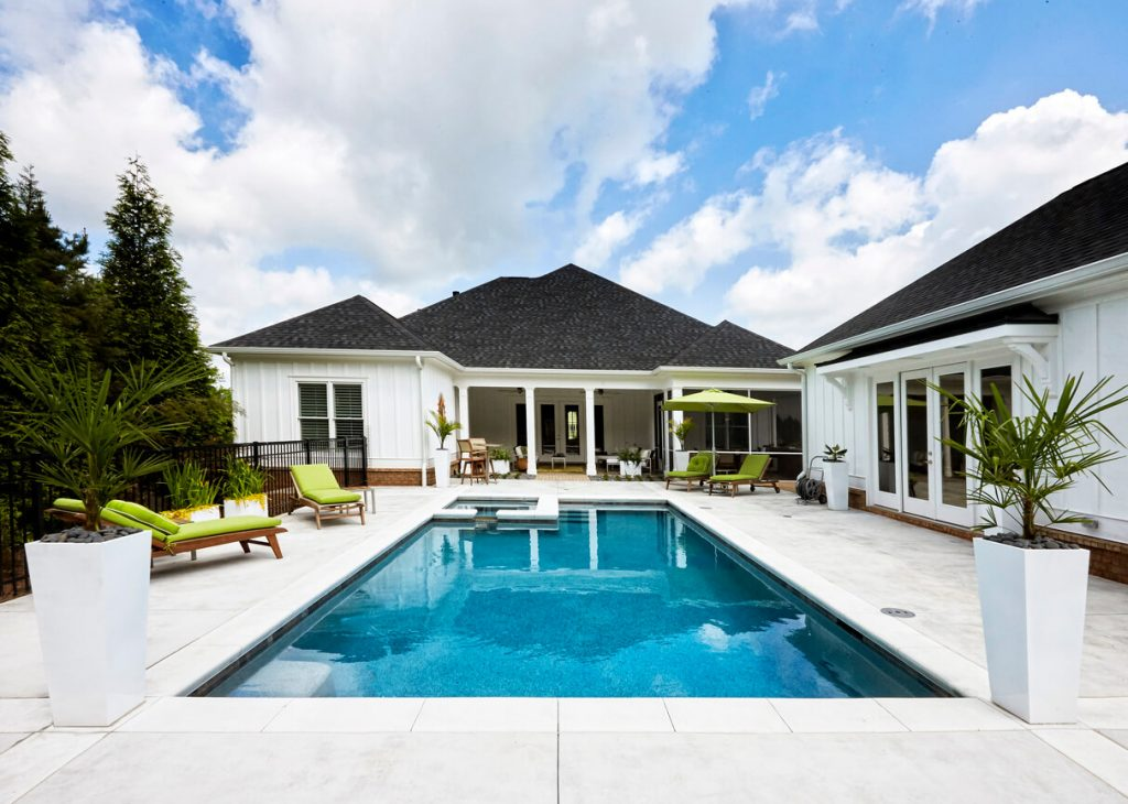 outdoor swimming pool do's and don'ts